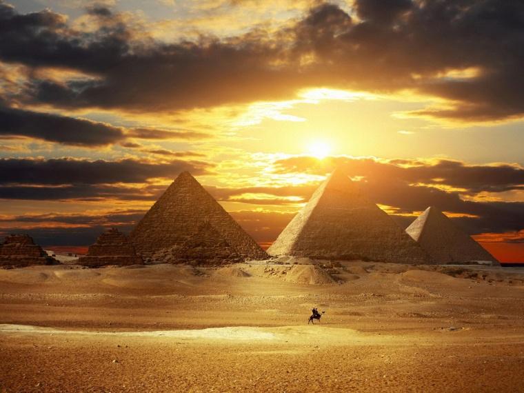 egyptian_pyramids.jpg